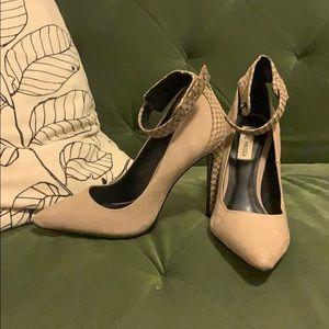 Steve Madden BUNGALOW heels